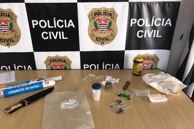 """""""Polícia Civil prende procurado da justiça traficando drogas em Registro"""""""