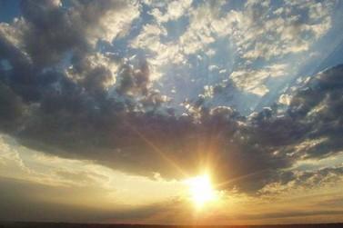 Sol com muitas nuvens neste fim de semana em Registro
