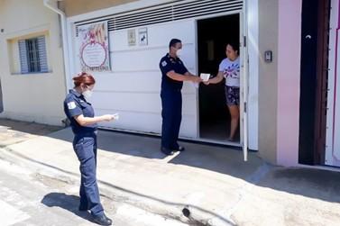 Guardas civis fazem orientação contra furtos em escolas