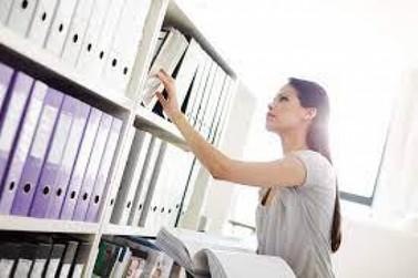 Palestra aborda organização de documentos escolares