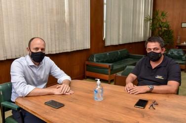 Prefeito Gustavo recebe deputado Danilo Balas no paço municipal