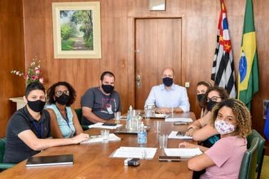 Prefeito Gustavo se reúne com integrantes do Conselho Tutelar