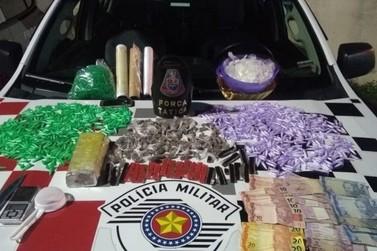 Força Tática detém indivíduo e um adolescente em flagrante por tráfico de drogas