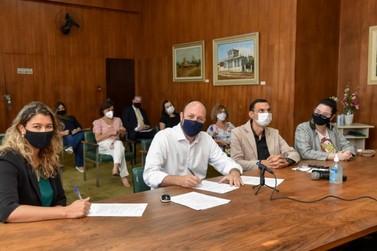 Prefeitura assina parcerias com Sebrae para incentivo ao empreendedorismo