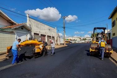 Trechos no Jardim das Palmeiras recebem reparo asfáltico