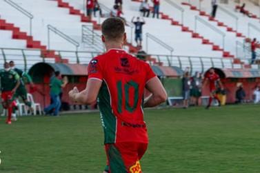 Invicto, o Velo Clube encara o Atibaia hoje a noite no estádio Martins Pereira