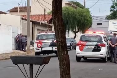Assaltante é morto pela PM e reféns são liberados após negociação em Araras