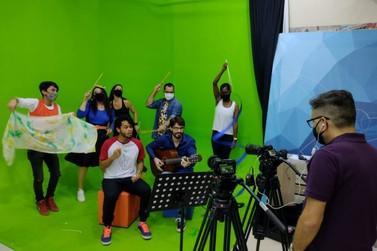 Sem aulas presenciais, alunos de Rio Claro têm vídeos em TV aberta