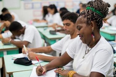 Agendamento telefônico para matrícula na EJA começa segunda-feira em Rio Claro