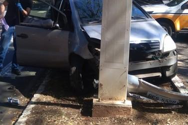 GCMs socorrem vítima de acidente de trânsito na Avenida da Saudade