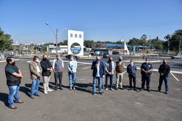 Rotatória ampliada na Tancredo recebe 20 mil veículos por dia