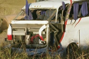 'Vi que ia tombar, e me segurei', diz passageiro de ônibus que caiu em Rio Claro