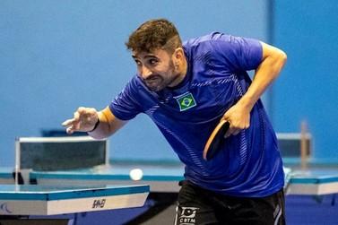 Carlos Carbinatti se recupera e vence duelo no tênis de mesa na Paralimpíadas