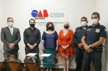 OAB e Comando da Guarda Civil assinam termo de Convênio para processo de ensino
