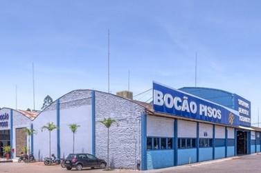 Bocão Pisos comemora 2 anos com espetáculo de descontos e artistas circenses