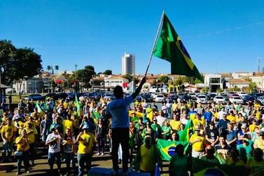 """""""Direita Rio Claro"""" organiza caravana para ato de apoio a Bolsonaro em SP"""