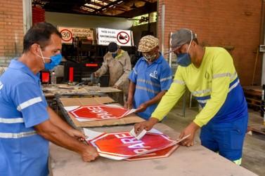 Prefeitura produziu  quase 4.000 placas de trânsito