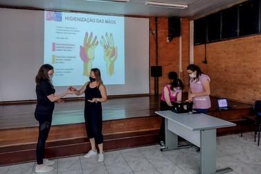 Rio Claro oferece formação a  novas funcionárias da educação
