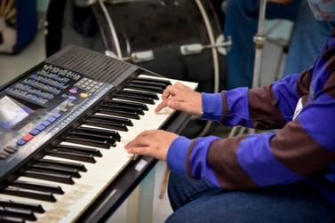 Sala de música ganha nome  de Djalma Aparecido Lino