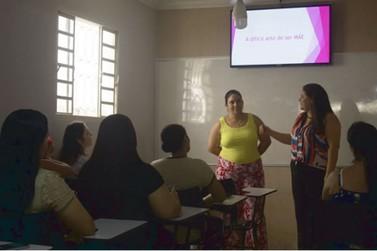 Educadora Pricila Fabiana Borim realizou palestra em homenagem ao Dia das Mães