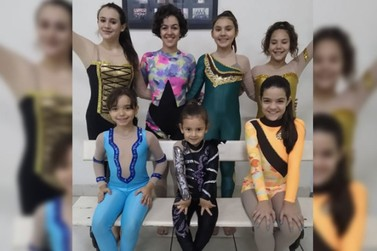 Meninas Riopedrenses irão competir no tecido acrobático na cidade de Valinhos/SP