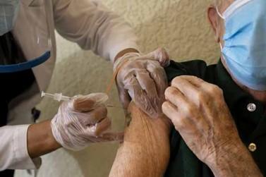 Idosos acima de 85 anos começam a ser vacinados neste sábado em Rio das Pedras