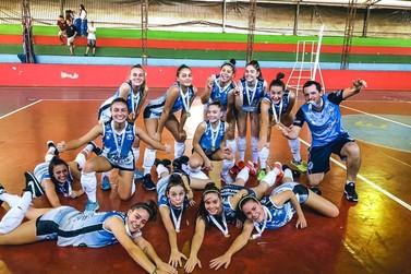 Voleibol Feminino A e Futsal Masculino B trazem título para Santa Helena