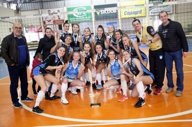 Santa Helena leva o ouro no voleibol feminino nos Jogos da Juventude
