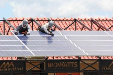 Bolsonaro afirma que Congresso vai barrar proposta da Aneel para geração solar