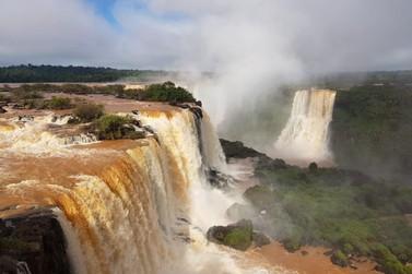 Após seca, Cataratas do Iguaçu registra 1 milhão de litros d'água por segundo