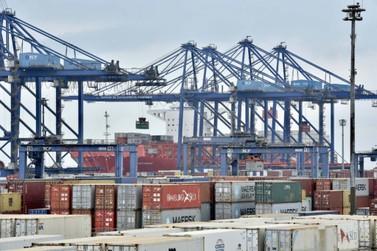 Correios começa a receber encomendas da China pelo Porto de Paranaguá