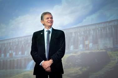 Bolsonaro indica diretor da Itaipu para presidência da Petrobras
