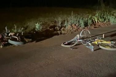 Ciclista morre após bater de frente em motocicleta que seguia na contramão