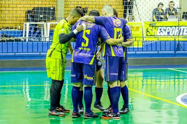 Santa Helena Futsal dá show e vence o Itaipulândia na Série Bronze