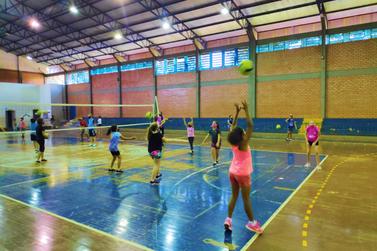 Seguindo protocolos sanitários, treinamentos de voleibol estão acontecendo em SH