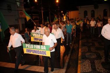 Abraço simbólico no Fórum da Justiça marcou participação de Santa Rita