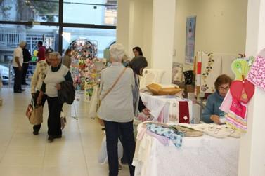 Exposição Arteiras do Vale reúne trabalhos manuais e culinária artesanal