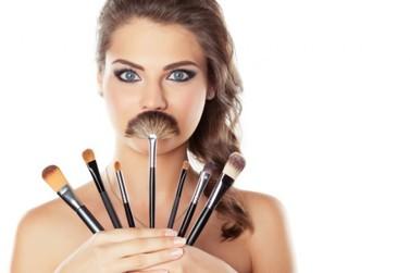Coluna da Roni: Limpeza e higienização dos pincéis de maquiagem