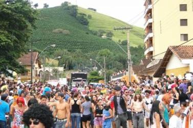 Projeto visa resgatar tradição do carnaval de rua de Santa Rita do Sapucaí