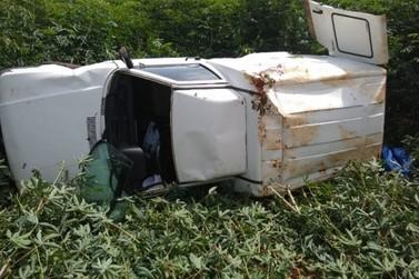 Acidente na BR 459 em Santa Rita do Sapucaí deixa homem ferido