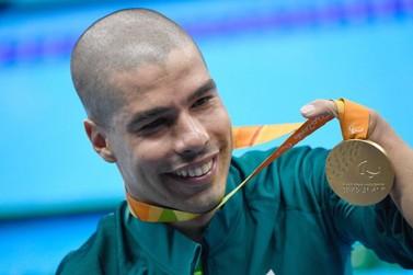 Medalhista paralímpico Daniel Dias ministra palestra em Santa Rita do Sapucaí