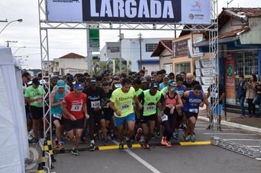 Quase 200 atletas participaram da 4ª Corrida de Aniversário de Santa Rita