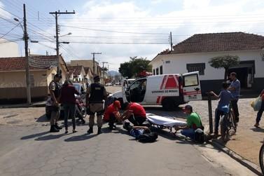 Garupa fica ferido na colisão entre carro e moto no início desta tarde em S.Rita