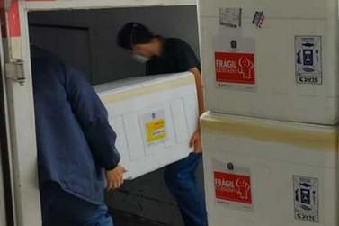 Minas distribui mais 867.010 doses de vacinas contra a COVID-19