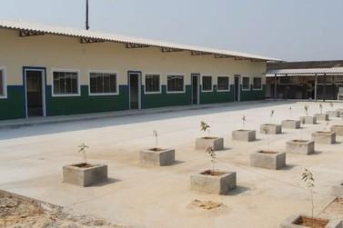 Governo entrega novas salas de aula na Escola Estadual Deonildo Caragnatto