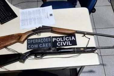 Armas apreendidas e foragida capturada em Costa Marques