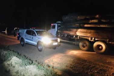 Policia Militar apreende madeiramento ilegal em Seringueiras