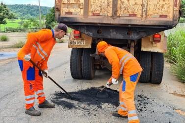 Rodovia que interliga São Miguel do Guaporé à Nova Brasilândia recebe manutenção