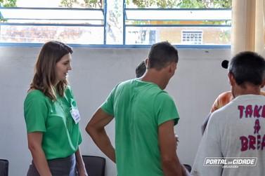 Dale Carnegie realiza treinamento social com pessoas em situação de rua