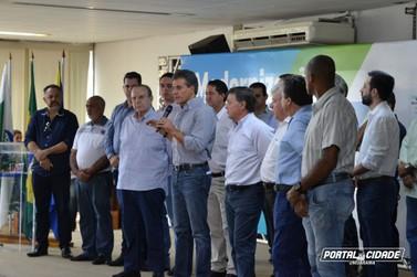 Em último ato como governador, Beto Richa anuncia obras na PR-323